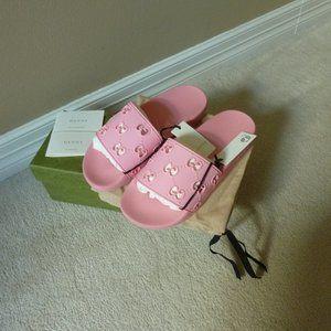 GUCCI Rubber 'Pursuit' G Pool Slides Sandals, Pink